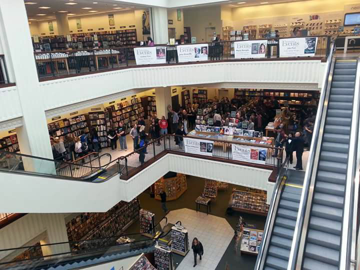 Bruce Springsteen at Barnes & Noble, The Grove #7